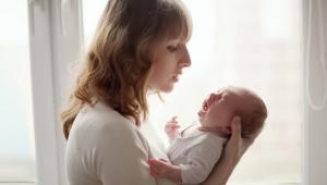 5 Penyebab Bayi Sering Menangis Dan Gelisah