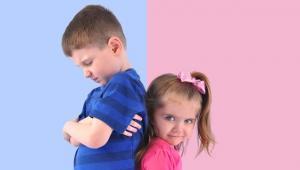 Cara Jitu Mengatasi Rasa Cemburu Kakak pada Adik