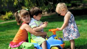Mainan Anak yang Cocok Sesuai dengan Tahapan Usianya