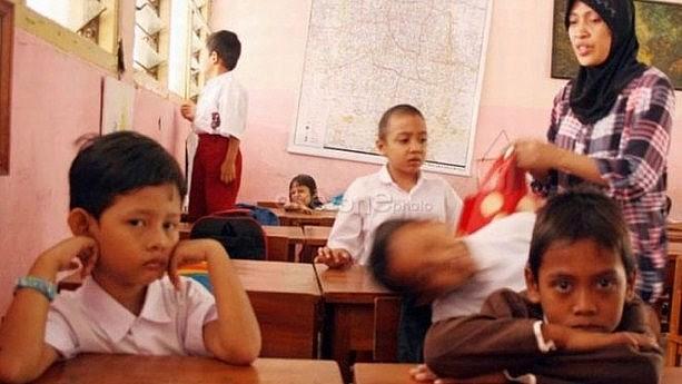 Ketika Si Kecil Harus Didampingi Terus Setiap Masuk Sekolah