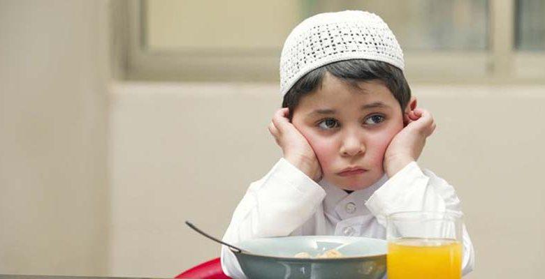 Cara Ampuh Mengajari Si Kecil Puasa Ramadhan