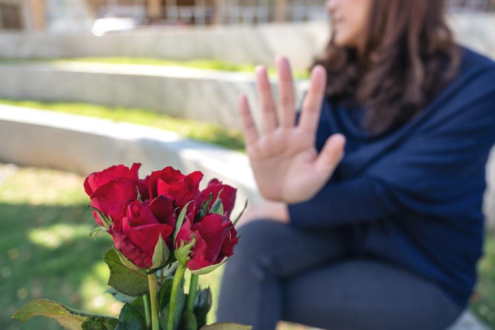 Anda Merasa Takut Apabila Jatuh Cinta ? Waspada Philophobia