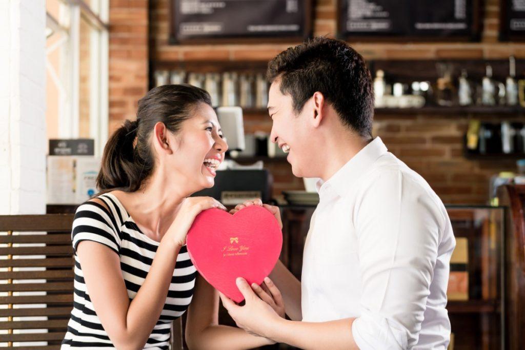 Kebiasaan Yang Selalu Dilakukan Pasangan Bahagia