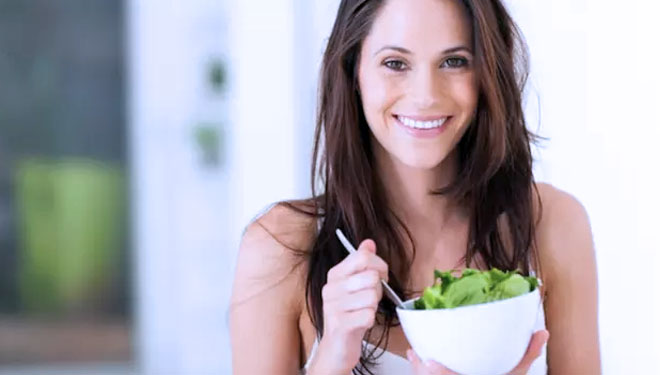 Wanita Yang Sedang Menstruasi Dianjurkan Memakan Sayur Bayam