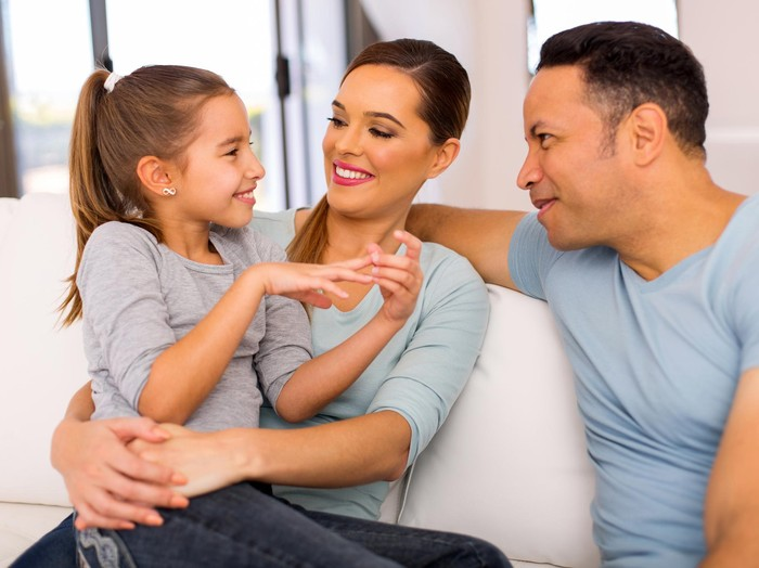 Belajar Mendengarkan Anak Dengan Active Listening