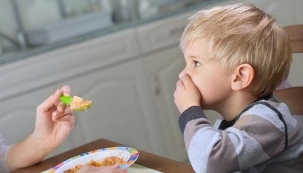 Cara Menghadapi Anak Dengan Gerakan Tutup Mulut (GTM)