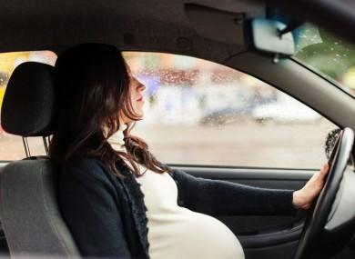 Boleh Gak Sih Ibu Hamil Mengemudi Mobil ?