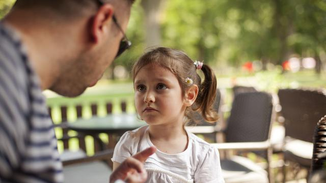 Alasan Orang Tua Tidak Boleh Mengingkari Janji Pada Si Kecil