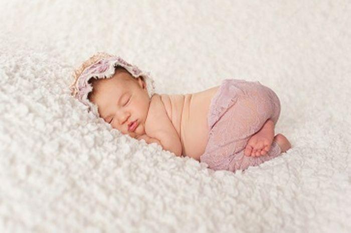 Usia Berapa Bayi Boleh Tidur Tengkurap?