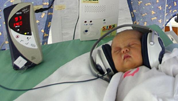 Si Kecil Susah Tidur Dan Suka Begadang? Coba Putar Musik Ini!