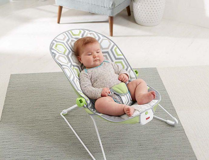 Aman Gak Sih Si Kecil Menggunakan Baby Bouncer?