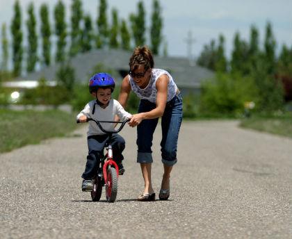Usia Berapa Sebaiknya Anak Diajarkan Bersepeda?