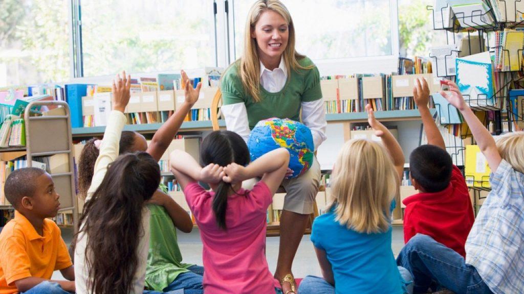 Persiapkan Dana Pendidikan Si Kecil Sejak Dini
