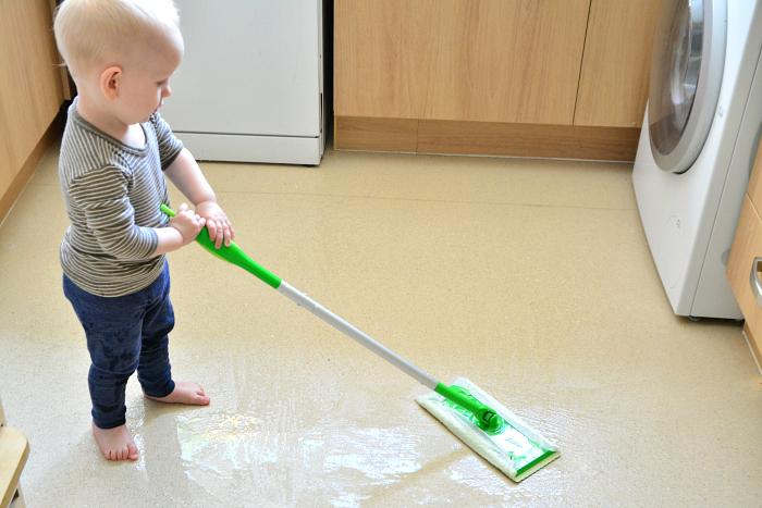 Beberapa Pekerjaan Rumah Yang Bisa Melibatkan Si Kecil
