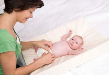 Benarkah Penggunaan Diaper Bisa Membuat Bayi ISK?