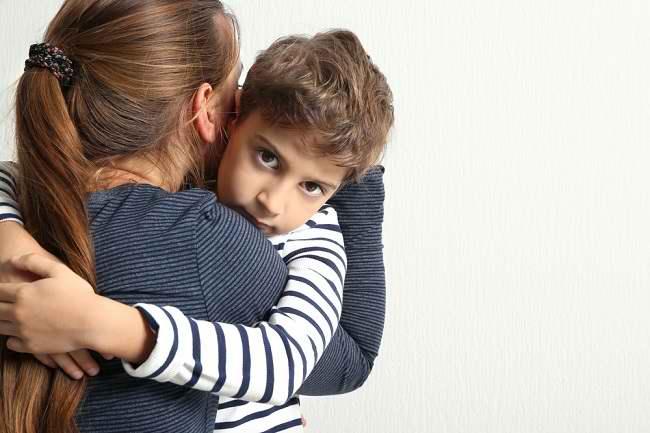 Kenali Ciri-ciri Anak Laki-laki Dengan Oedipus Complex