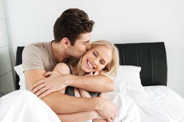 8 Trik Memuaskan Istri Saat Hubungan Intim